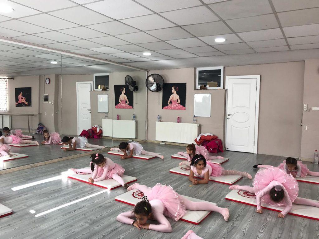 Çocuğunuzun Vücudunu Esnetmenin Tam Zamanı: Bale Kursları